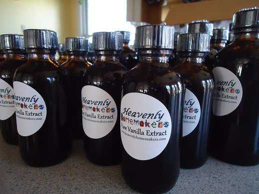 Heavenly Homemakers Vanilla Extract 2-ounce bottle