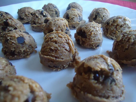 You'll find the recipe for Raw Cookie Dough Bites here . Warning: It ...