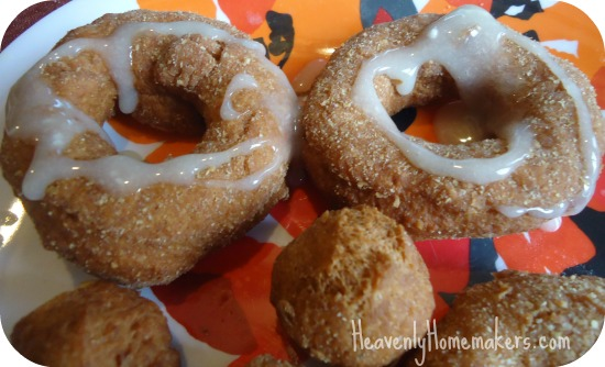 Whole Wheat Pumpkin Donuts (adapted from this recipe )