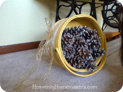 pinecone decor