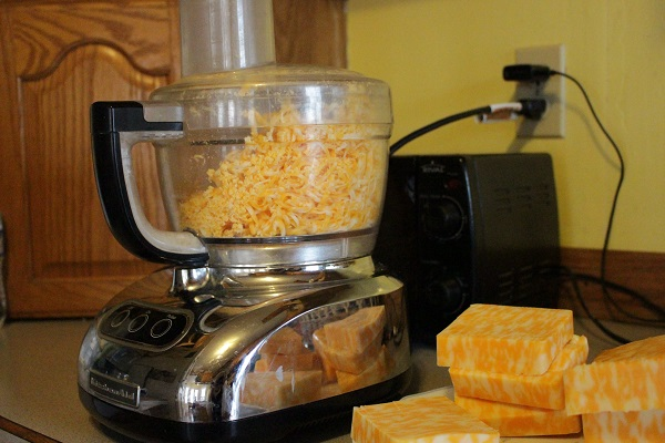grating cheese2