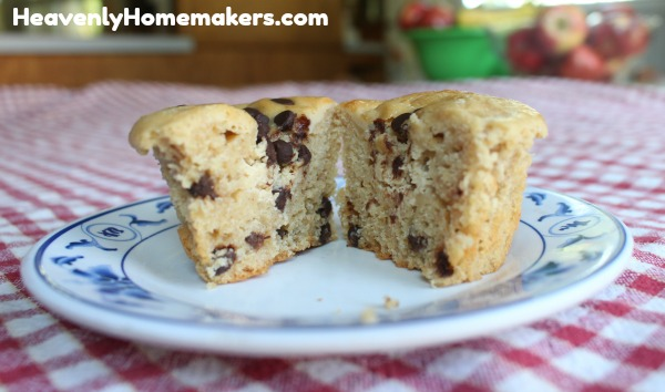 chocolate chip cheesecake muffin11